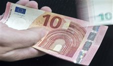 Euro 1 yılın zirvesinde!